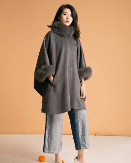 Cashmere Cape with Fox Fur Trim 827da