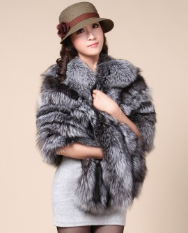 Silver Fox Fur Cape cafo12_1