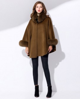 Cashmere Cape with Fox Fur Trim 827ee