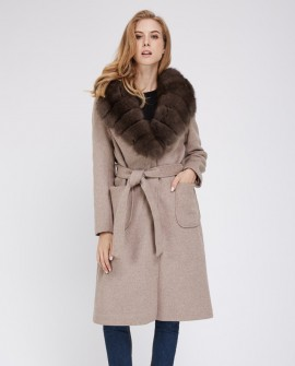 Cashmere Coat with Fox Fur Trimmed Collar 239a