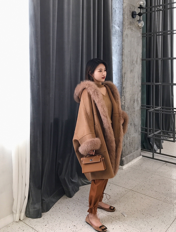Hooded Cashmere Poncho Coat with Fox Fur Trim 0055-2