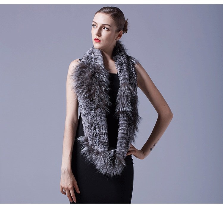 Chinchilla Fur Knitted Wrap Neckwarmer with Silver Fox Fur Trim 043 Details 3