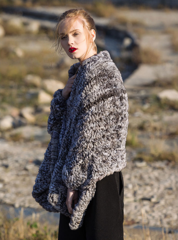 Chinchilla Fur Knitted Cape 045 Details 2