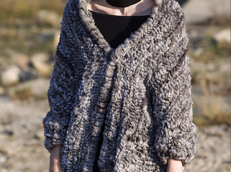 Chinchilla Fur Knitted Cape 045 Details 3