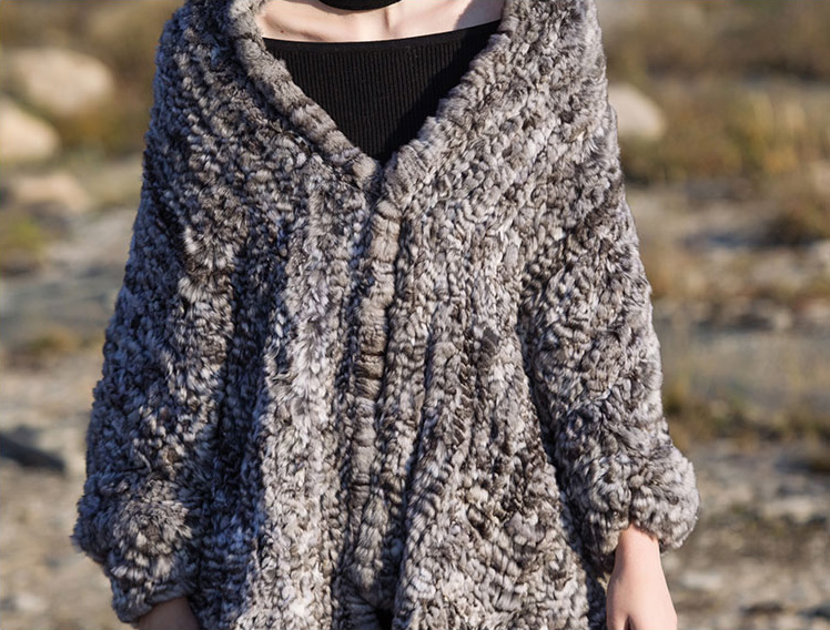 Chinchilla Fur Knitted Cape 045 Details 5
