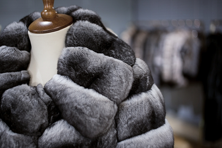 Chinchilla Fur Coat 164 Details 3