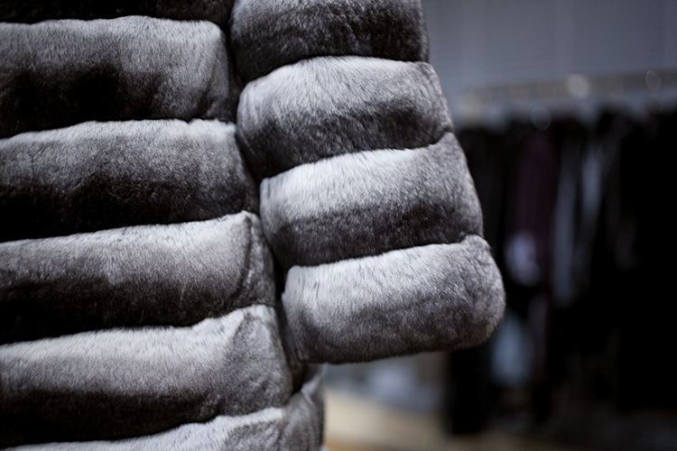 Chinchilla Fur Coat 164 Details 4