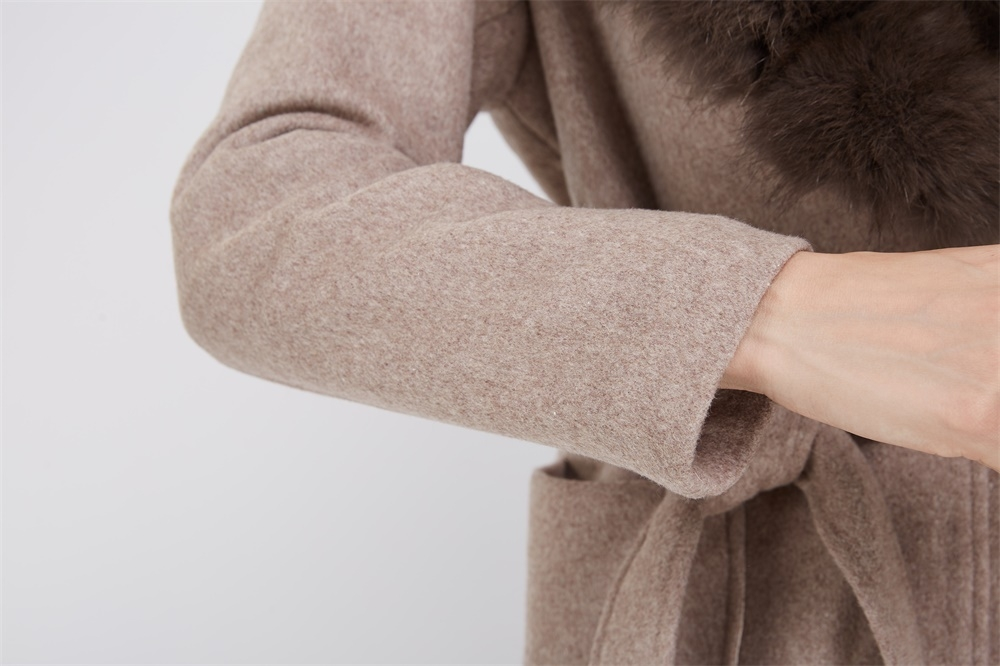 Cashmere Coat with Fox Fur Trimmed Collar 239 Details 4
