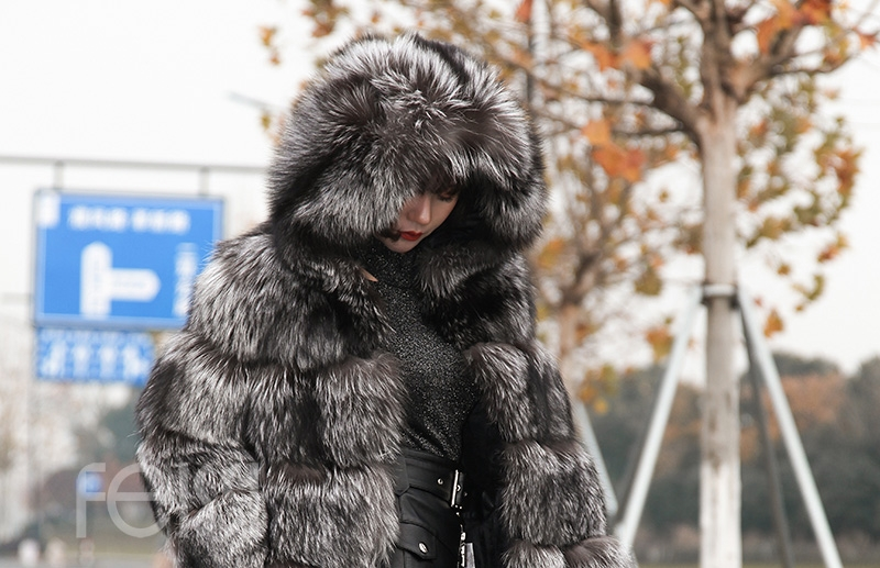 Silver Fox Fur Coat 254 Details 10