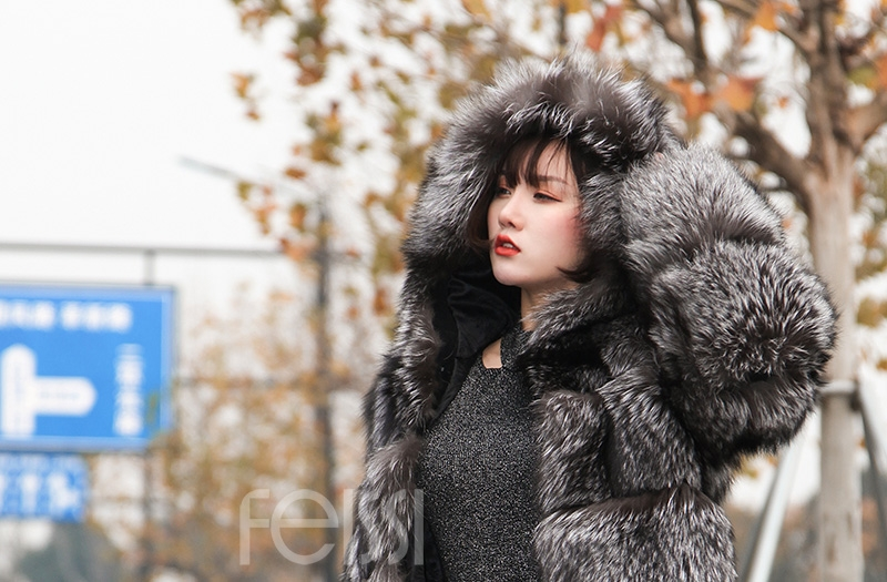 Silver Fox Fur Coat 254 Details 13