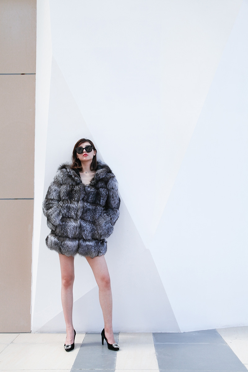 Silver Fox Fur Coat 254 Details 3