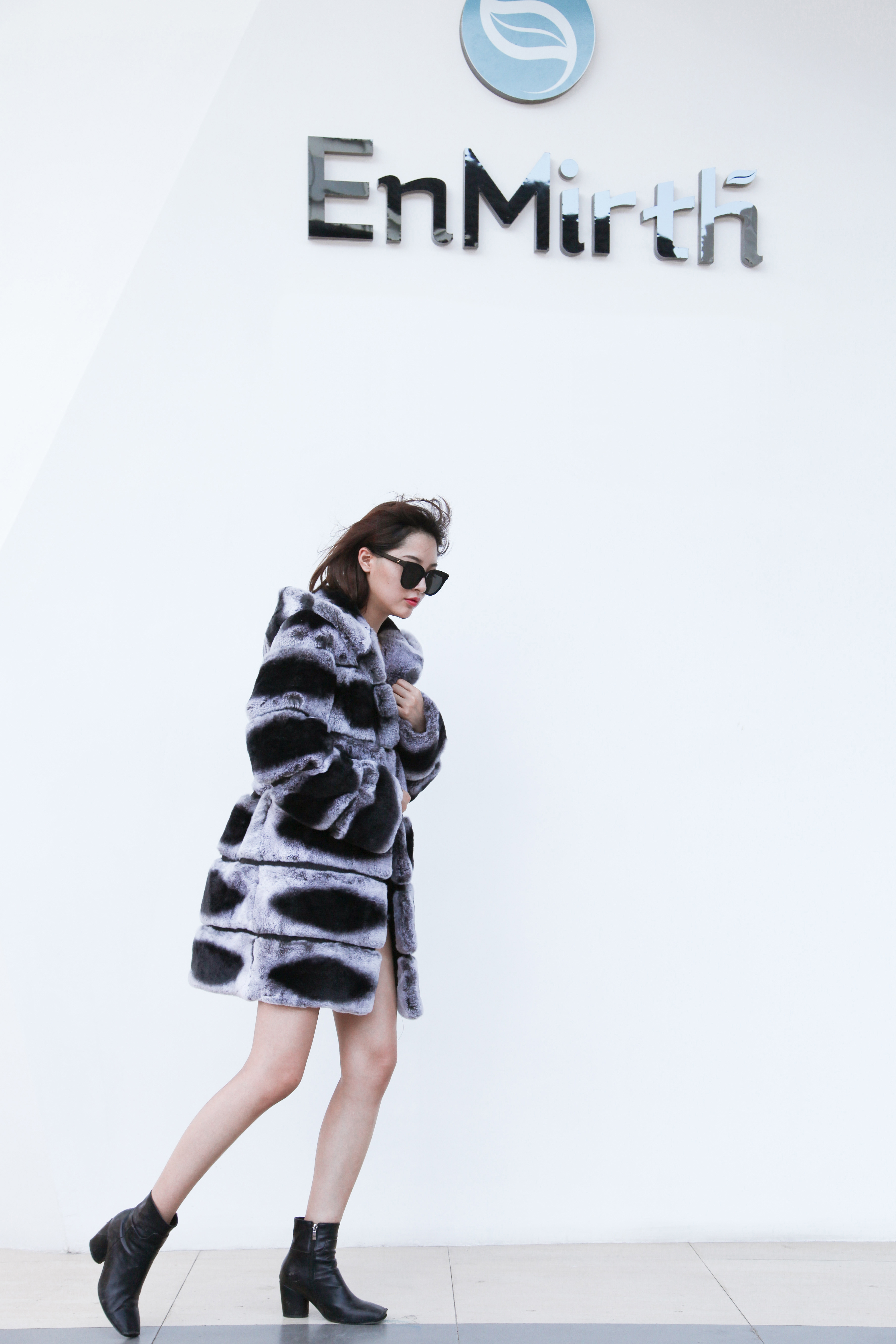 Hooded Rex Rabbit Fur Coat with Chinchilla Look 255 Details 6