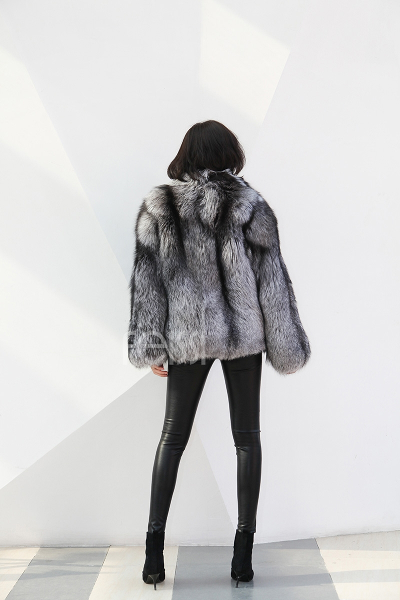 Cropped Silver Fox Fur Jacket 273 Details 4