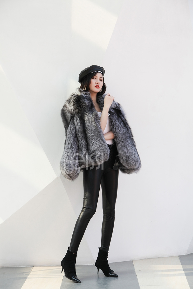 Cropped Silver Fox Fur Jacket 273 Details 6