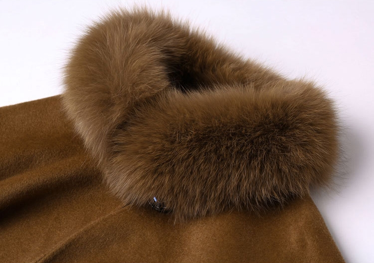 Cashmere Cape with Fox Fur Trim 827e-1