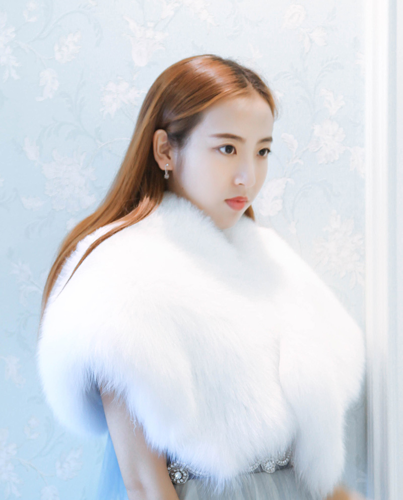 Fox Fur Capelet 882 White Details 1