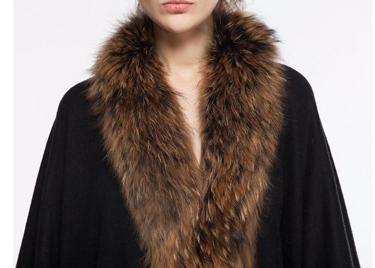 Cashmere Cape with Raccoon Fur Trim, Black 665 Details