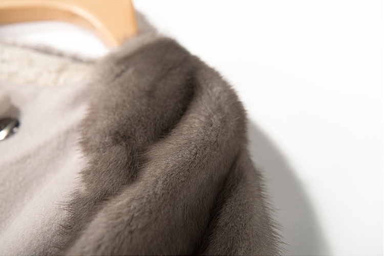 Woolen Coat with Mink Fur Trim 711 Details 3