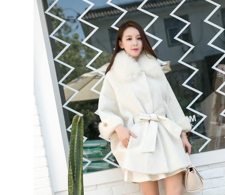 Shearling Lambwool Coat with Fox Fur Collar 735 White Details 1